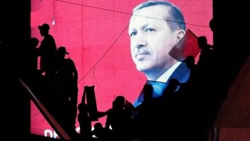 افشای 300 هزار ایمیل از حزب حاکم ترکیه توسط ویکیلیکس