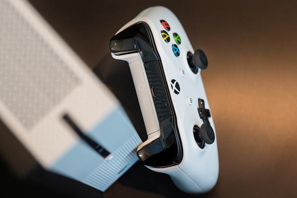 مایکروسافت از کنسول Xbox One S رونمایی کرد