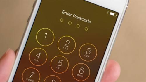 کشمکش اپل و دادگاه فدرال برای رمزگشایی آیفون یک مجرم