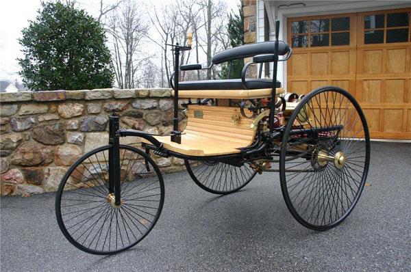 اتومبیل 130 ساله شد