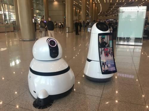 به کارگیری رباتهای راهنما و پاکبان در بزرگترین فرودگاه کره جنوبی